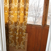 Вот как раз выход на балкон. Это квартира на Варшавском шоссе, 114к4.