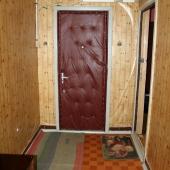 Лестничная клетка перед входом в квартиру в аренду на Варшавском шоссе 114к4