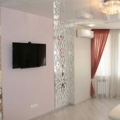 Это центральная гостиная комната - на стене ТВ