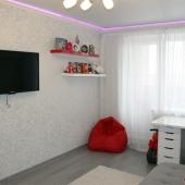 И на стене снова висит большой ТВ!