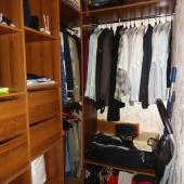 Да, еще в этой квартире есть гардеробная! Отдельная!