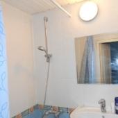 Сама ванная комната в таких голубых тонах
