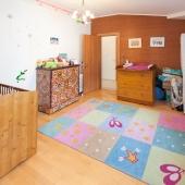 Площадь этой детской комнаты 11,8 м2