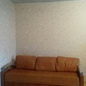 В комнате еще есть диван вот такой