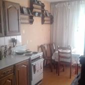 Сейчас мы смотрим кухню - она, кстати, 12 метров