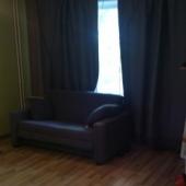 Есть вот такой диван в жилой зоне