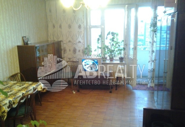 Уже по комнате видно, что необходим ремонт для квартиры на Тарусской 18к2