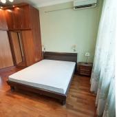 Кровать двуспальная с хорошим матрасом