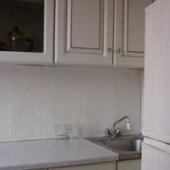 Это небольшая фотография кухни в этом пятиэтажном доме