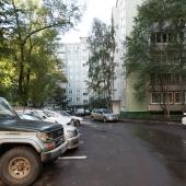 Парковка, как мы видим, стихийная