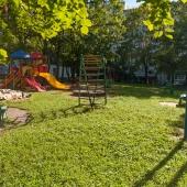 Зеленая часть дворика дома 19 на Голубинской ул.