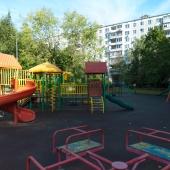 И ещё одна детская площадка