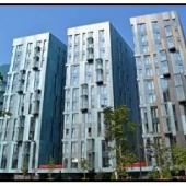 Квартиры в этих зданиях большие светлые просторные и современные