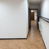 Далее проход ко второму помещению в к отдельным комнатам
