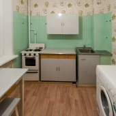 И стиральная машина тоже на кухне