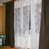 Фотография большой комнаты вечером