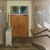 Входная/выходная дверь в подъезде по улице Винокурова, дом №28к2
