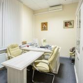 Вариант комнаты с офисной мебелью