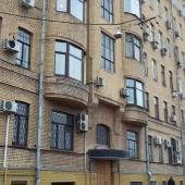 Фотография самого здания: ул. Бауманская, 43/1 с. 1