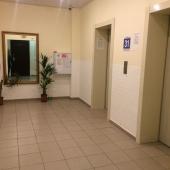 Это зона у лифтов