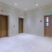 Коридоры около лифтов