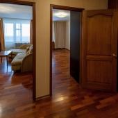 Двери в комнаты: большая и маленькая