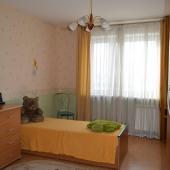 Вторая комната. В нашем случае используется как детская, но можно обустроить спальную комнату.