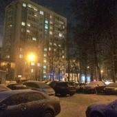 Дом-пятиэтажка. Фото зимой с улицы. Со стороны улицы Коштоянца.
