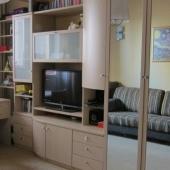 В жилой комнате тоже мебель и ремонт в прекрасном состоянии