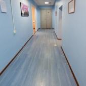 Обратите внимание на качество отделки стен, пола, потолков
