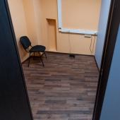 Вот еще один небольшой кабинет офисный, который мы сдаем на Бауманской, 43/1 стр. 1