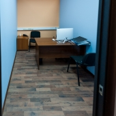 Вот реализация кабинетного пространства - 2 перегородки, а результат налицо!