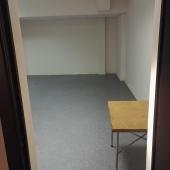 Мебели нет, комната пустая, можно снять под склад