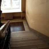 Эти лестницы крепкие и надежные - ваши сотрудники могут не беспокоиться