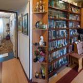 По коридору направо и вот спальная комната