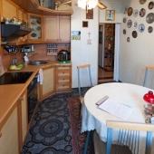 Фотография в сторону выхода из кухни