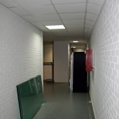 В принципе коридор тоже можно использовать под склад