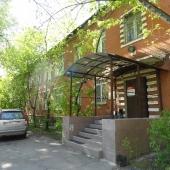 Отдельный вход в здание на первой улице Энтузиастов, дом №4