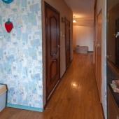 Далее по коридору туалет и ваная