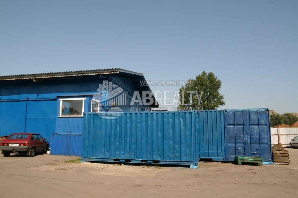 Как видно на фотографии: на площадке можно разместить рефрижераторные контейнеры