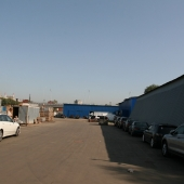 Здесь можно хранить стройматериалы, строительную технику, какие-либо контейнеры.