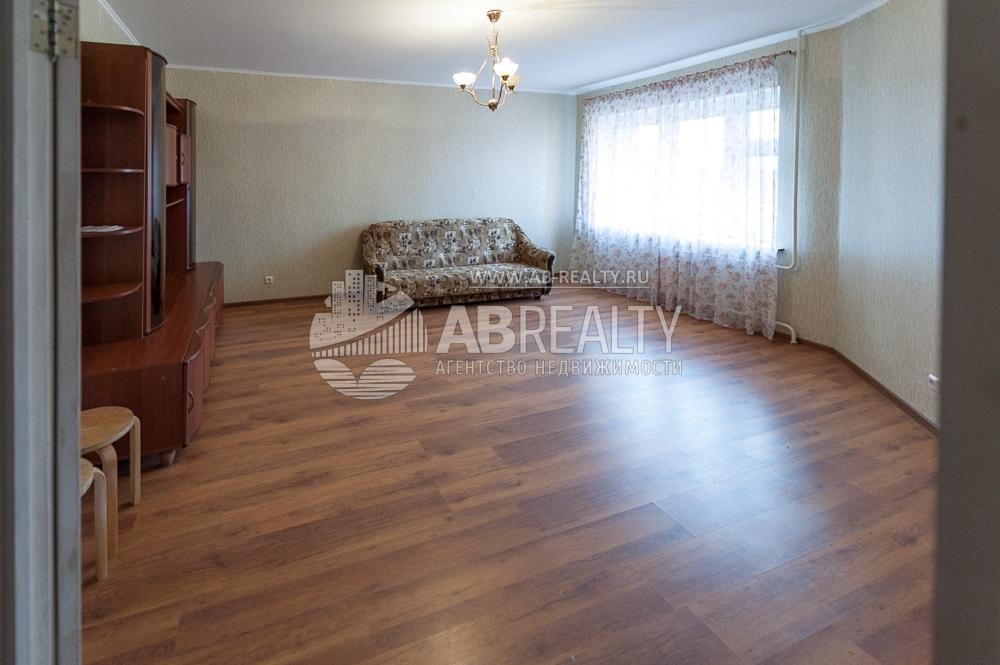 Данная комната по площади 25 кв.м.