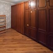 Вот эти 2 шкафа в прихожей в квартире на ул. Энергетиков, дом №3, Одинцовский район.