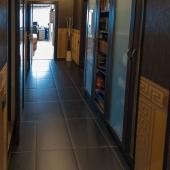 Далее по коридору идем в гардеробную