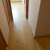 Коридор в квартире в мкр. Левобережный, цена квартиры 6 500 000