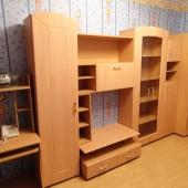 В этой комнате тоже есть мебель