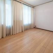 Например, одна из комнат на улице Большая Дмитровка, дом 20 с2