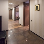 Далее в коридор и на кухню