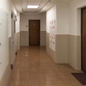 Общий коридор за входной дверью