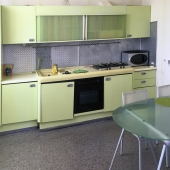 Кухонный гарнитур выглядит именно так